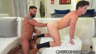 FistingInferno – Devin Franco's Perfect Butt Double Fisted